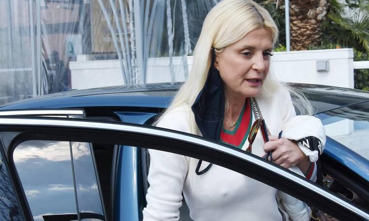 Μαρίνα Πατούλη: Το εξιτήριο από το νοσοκομείο και το white look!