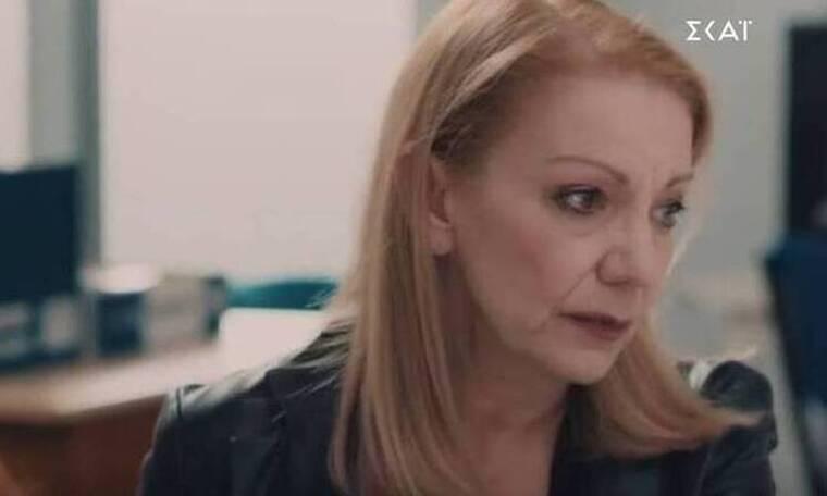 8 λέξεις: Η Ναυσικά προσπαθεί να ηρεμήσει την Τζουλιάνα