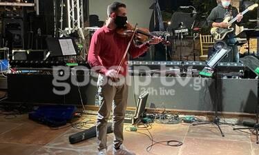 Από πρωταθλητής στη σκοποβολή, βιολιστής στην ορχήστρα της μητέρας του