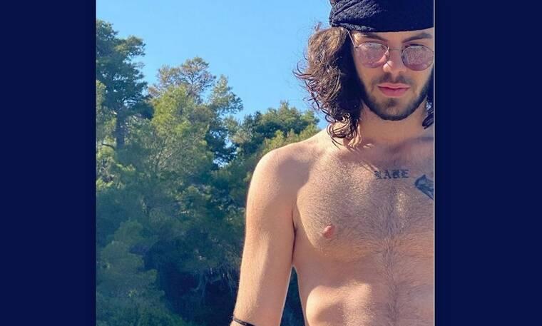 Άγγελος Λάτσιος: Στην παραλία αγκαλιά με το κορίτσι του! Θα ξετρελαθείς με τις φωτό