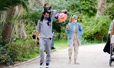 Αναστασιάδης-Θεωνά: Πικ νικ και παιχνίδια με τον γιο τους στον Εθνικό Κήπο!