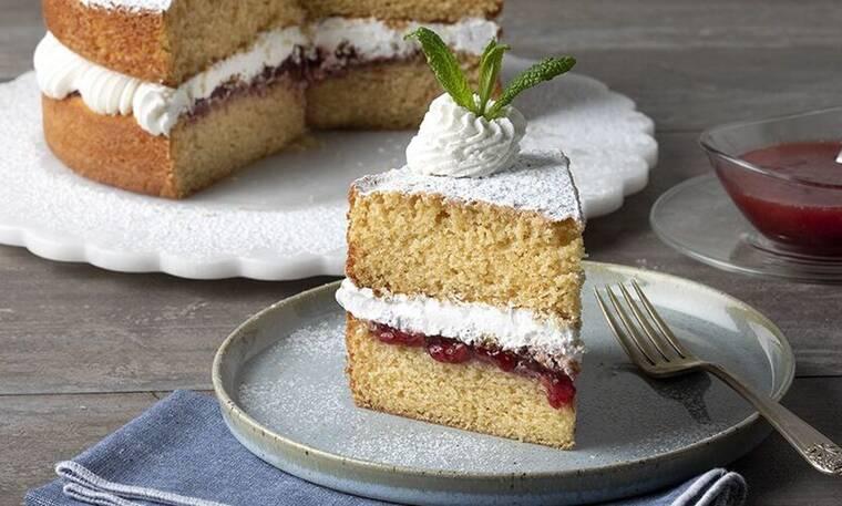 Victoria cake από τον Άκη Πετρετζίκη!