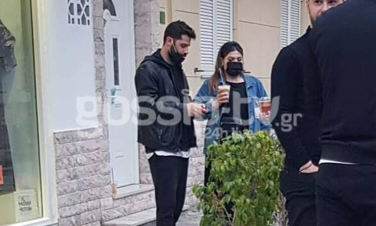 Αποκλειστικό: Δανάη Μπάρκα: Έπινε καφέ με φίλους και το περιπολικό ζητούσε να απομακρυνθούν!