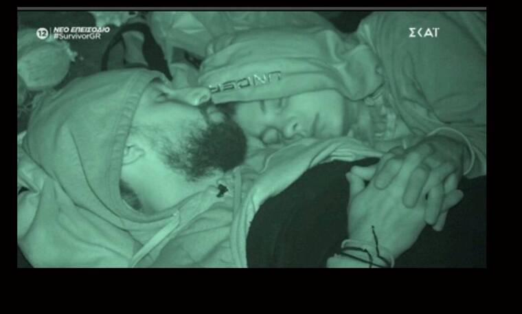 Survivor: Σάκης και Μαριαλένα κοιμήθηκαν ξανά μαζί - Δες το βίντεο!