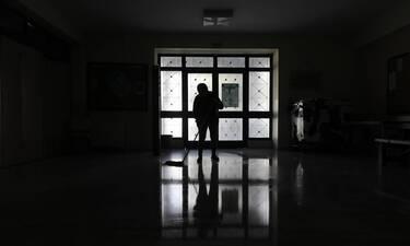 Κρούσματα σήμερα: 1.718 νέα ανακοίνωσε ο ΕΟΔΥ, 780 διασωληνωμένοι και 52 θάνατοι την Κυριακή (11.04)