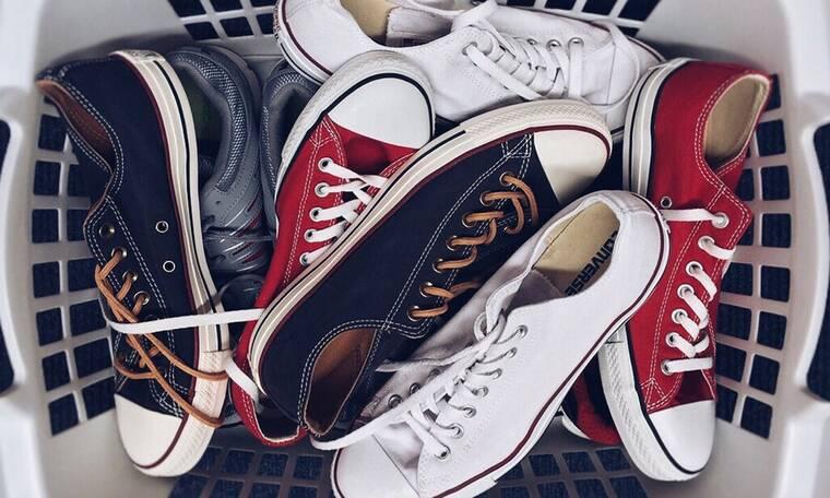 Έχεις TikTok; Ετοιμάσου να μάθεις πώς να κάνεις τα παλιά παπούτσια σαν καινούργια!