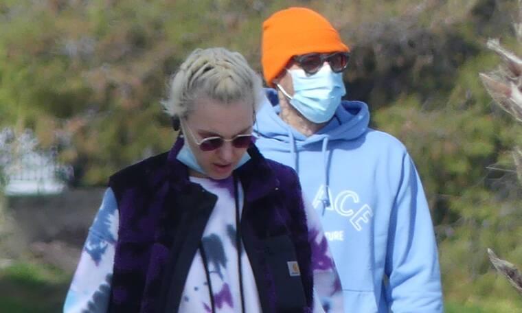 Κασιδόκωστας - Τάμτα: Χαλαρή βόλτα στη Βουλιαγμένη στην ανοιξιάτικη λιακάδα
