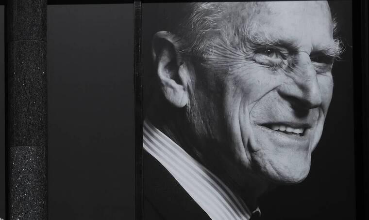 Πρίγκιπας Φίλιππος: Θα ταφεί με την ελληνική σημαία - Όλες οι λεπτομέρειες