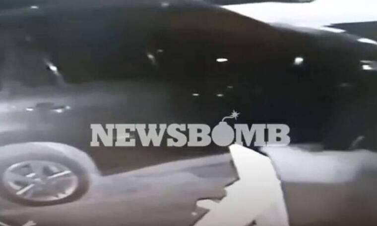 Αποκλειστικό Newsbomb.gr: Βίντεο ντοκουμέντο - Έτσι έκλεβαν καταλύτες από τζιπ στα νότια προάστια