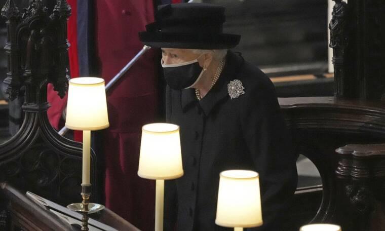 H κίνηση της βασίλισσας Ελισάβετ που κανείς δεν κατάλαβε πως έκρυβε όλα της τα συναισθήματα