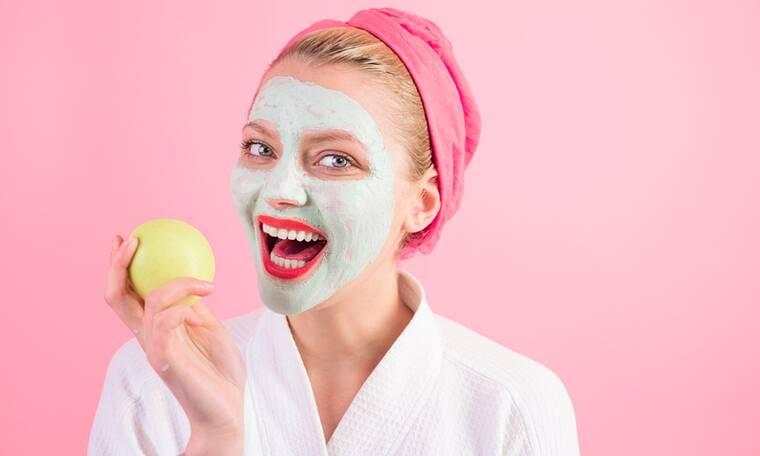 Σπιτική μάσκα προσώπου με μήλο - Ποια τα οφέλη