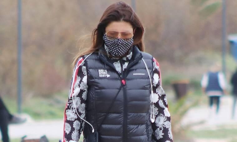 Η αθλητική εμφάνιση της Έλενας Παπαρίζου με τον συζυγό της δείχνει πόσο fit είναι (photos)