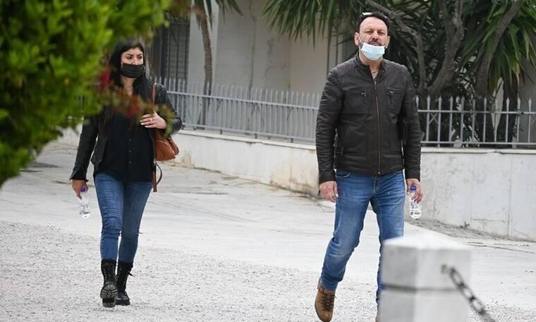 Στάθης Αγγελόπουλος: Καιρό είχαμε να τον δούμε! Η σπάνια έξοδος στο κέντρο και το street style