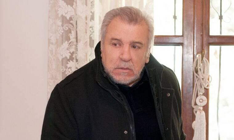 Τάσος Χαλκιάς: «Παρά τις πληγές που δέχεται το θέατρο, χρειάζεται ζωή»