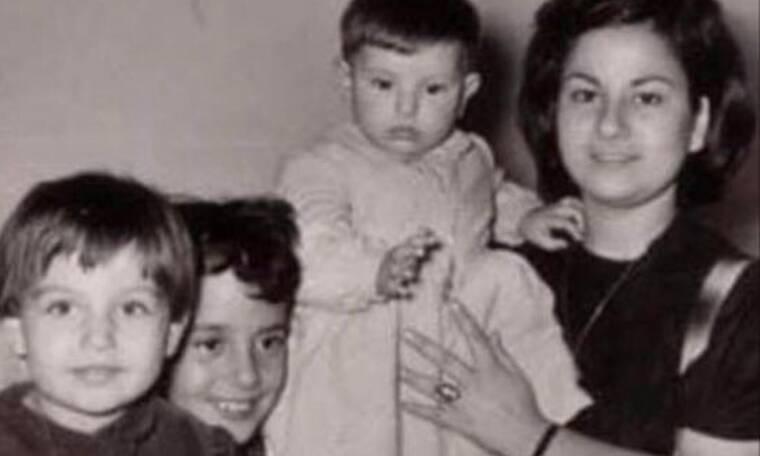 Σε αυτή τη φωτογραφία βλέπουμε την Καίτη Γαρμπή: Μπορείς να την αναγνωρίσεις;