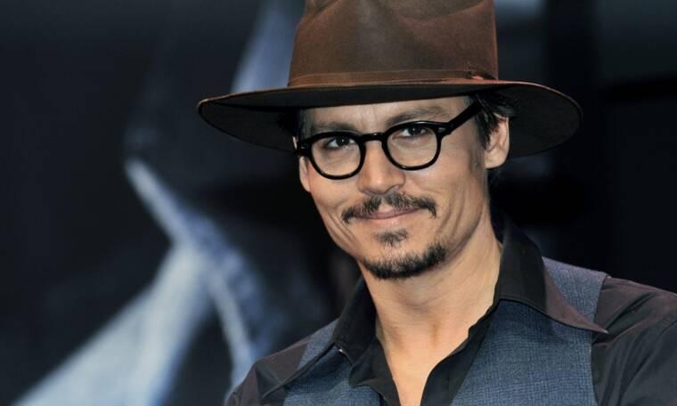 Johnny Depp: Θυμάσαι τον γιο του; Μεγάλωσε και είναι ίδιος ο μπαμπάς του(photos)