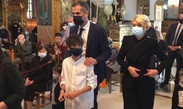 Μπακογιάννης-Κοσιώνη: Στιγμές κατάνυξης στην εκκλησία για τον Επιτάφιο!