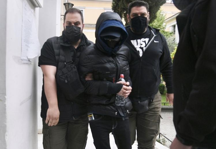 Προφυλακίστηκε ο Μένιος Φουρθιώτης και δύο συγκατηγορούμενοί του