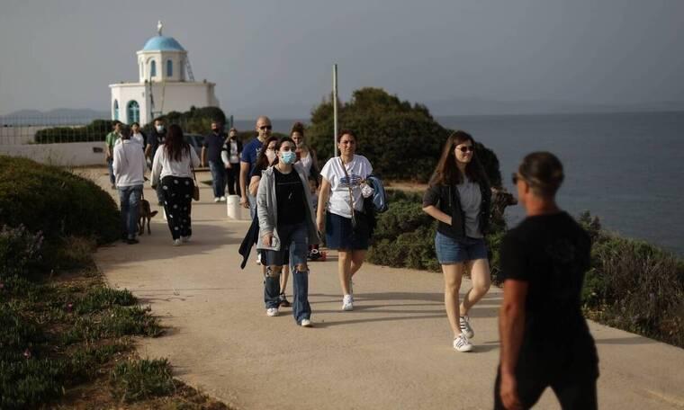 Κωδικός «πλήρης απελευθέρωση»: Πότε ανοίγουν σχολεία, μετακινήσεις, τουρισμός και παραλίες