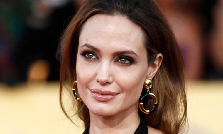 Angelina Jolie: Δες την κατάξανθη και κούκλα στη νέα της εμφάνιση