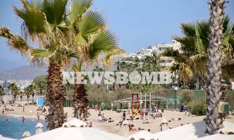 Ρεπορτάζ Newsbomb.gr: Πήγαν για τεστ κορονοϊού με τα μαγιό - Γέμισαν οι παραλίες στην Αττική