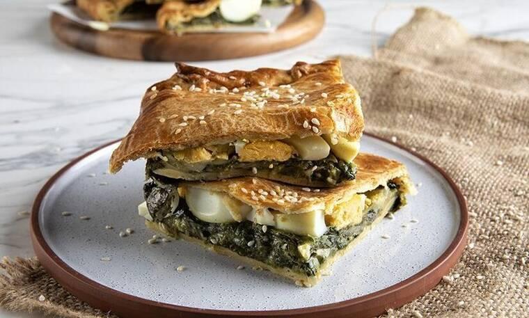 Πίτα με αβγά και σπανάκι από τον Άκη Πετρετζίκη