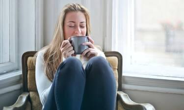 Χρυσό γάλα: Πιες το την επόμενη φορά που θα νιώσεις αγχωμένη-Μάθε γιατί