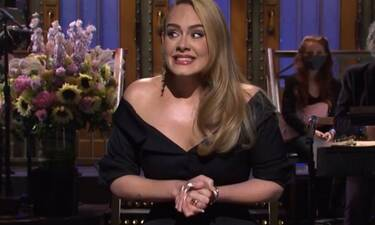 Adele: Έγινε 33 χρονών και πόζαρε με μαγιό μέσα στη θάλασσα (photos)