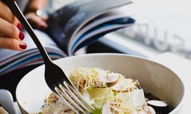 Αν νιώθεις στρες, αυτές οι 7 τροφές θα σε βοηθήσουν να ηρεμήσεις