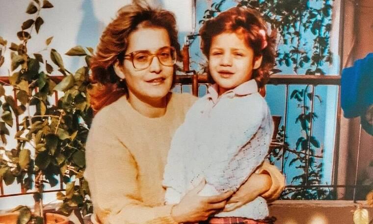 Αναγνωρίζετε το κοριτσάκι στη φωτογραφία; Κι όμως είναι πασίγνωστη Ελληνίδα ηθοποιός!