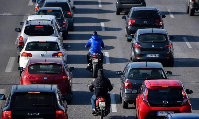 Κίνηση ΤΩΡΑ: Πού υπάρχει μποτιλιάρισμα στους δρόμους της Αθήνας - Ποιους να αποφύγετε