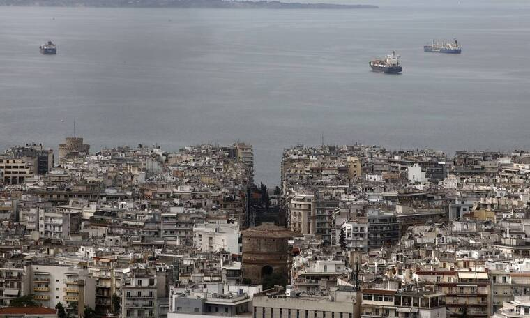 Κορονοϊός - Συναγερμός στη Θεσσαλονίκη: «Έκρηξη» του ιικού φορτίου  - Τι αποκαλύπτουν τα λύματα