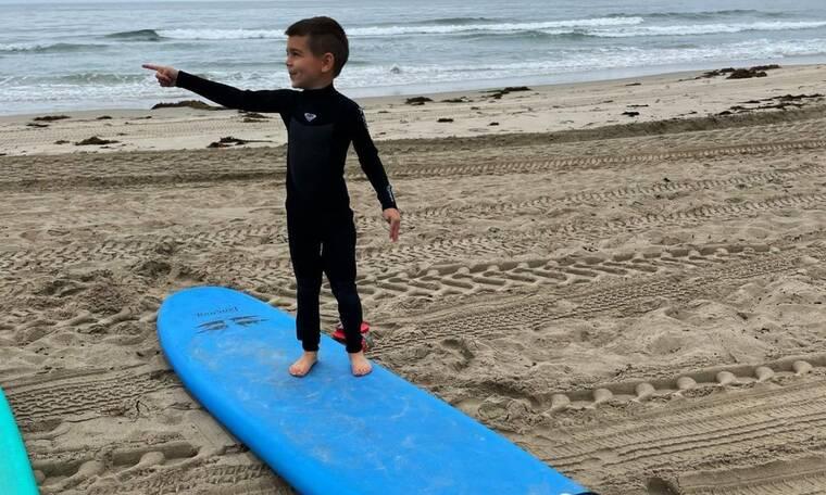 Ο γιος της Kourtney Kardashian παραδίδει μαθήματα στιλ-και surf- και είναι μόλις 6 ετών(pic+vid)