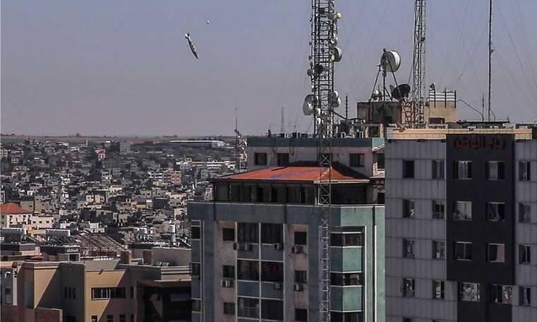Παγκόσμιο σοκ από την ισοπέδωση των γραφείων του AP και Al Jazeera - «Αποφύγαμε τρομερές απώλειες»