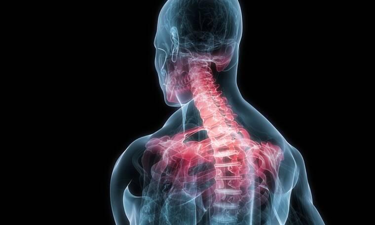 Πόνος στον αυχένα: 6 λύσεις που θα σας ανακουφίσουν (εικόνες)