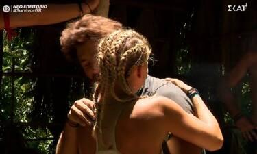 Survivor: Η Ελένη Χαμπέρη αποκάλυψε τι της ψιθύρισε ο Μπάρτζης φεύγοντας από το παιχνίδι