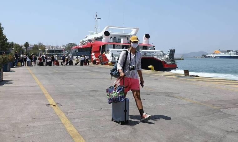 Καπραβέλος στο Newsbomb.gr: Ο τουρισμός θα φέρει νέα στελέχη μετάλλαξης