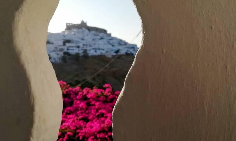 Ρεπορτάζ Newsbomb.gr: Τα ελληνικά νησιά θωρακίστηκαν κατά του ιού και πέφτουν στη μάχη του τουρισμού
