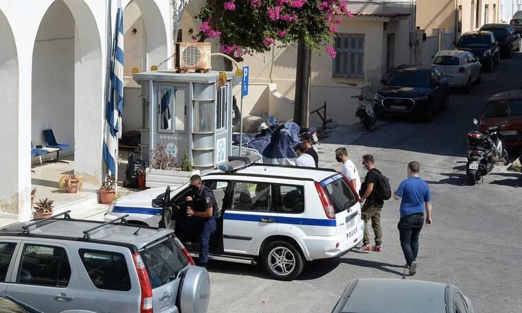 «Επιχείρηση» Μύκονος: 100 αστυνομικοί και 40 κάμερες θα φρουρούν το νησί - Το σχέδιο της ΕΛ.ΑΣ.