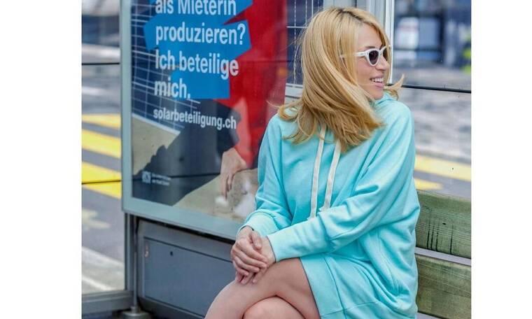 Ηλιάκη: Το φόρεμα στο τοπ χρώμα του καλοκαιριού που πρέπει να φορέσεις είτε είσαι έγκυος είτε όχι