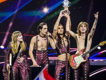 """Eurovision 2021 τελικός: O Damiano τραγούδησε το """"El Diablo"""" μετά τη νίκη και το βίντεο έγινε viral"""