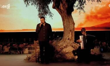 YFSF All Star Τελικός: Με παραδοσιακό ελληνικό τραγούδι ο φιναλίστ Ησαΐας Ματιάμπα στη σκηνή!