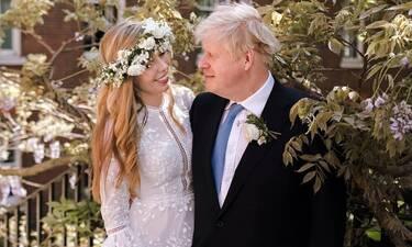 Μπόρις Τζόνσον: Με νοικιασμένο νυφικό Έλληνα σχεδιαστή ντύθηκε νύφη η αγαπημένη του