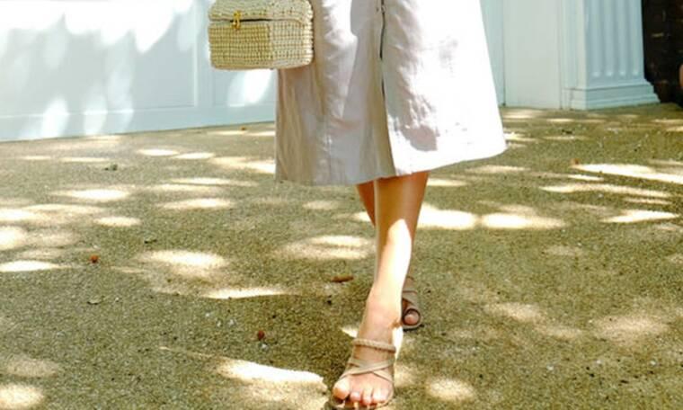 7 σανδάλια ντουντ που ταιριάζουν με όλα τα καλοκαιρινά φορέματα (photos)