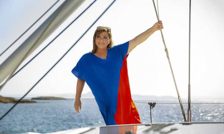 Η αγαπημένη ηθοποιός Βίκυ Σταυροπούλου και η Parabita λανσάρουν την πρώτη καλοκαιρινή τους συλλογή