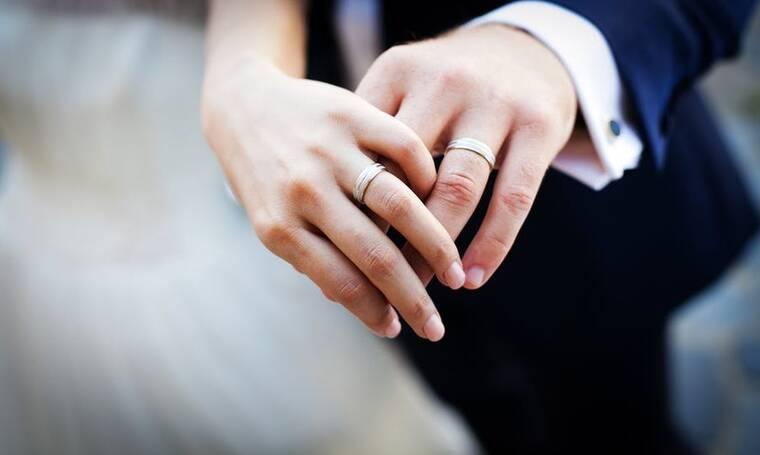 8 Λέξεις: Πρωταγωνίστρια της σειράς όρισε ημερομηνία γάμου!