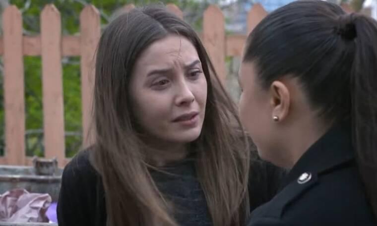 Elif: Η Τουλάι βρίσκει τη φώτο της Ελίφ στα σκουπίδια και την αγκαλιάζει με δάκρυα στα μάτια
