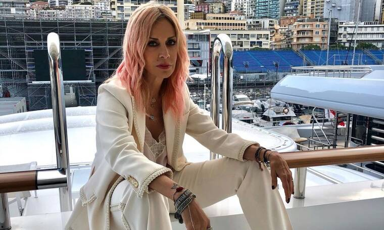Άννα Βίσση: Πιο σέξι από ποτέ στο νέο της τραγούδι - Αποθεωτικά τα σχόλια