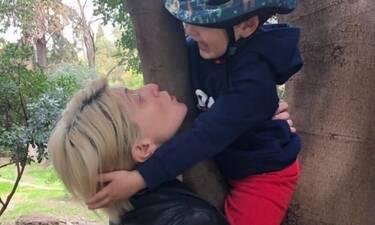 Σία Κοσιώνη: Η απίθανη φωτό του γιου της – Βλέπει Στέφανο Τσιτσιπά και δεν πάει ο νους σου τι κάνει