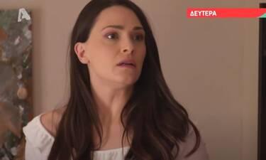 Αγγελική: Η Κατερίνα ανακαλύπτει την Αγγελική να ψάχνει στο δωμάτιο του Δημήτρη